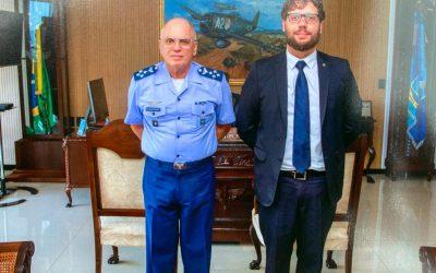 Comandante da Aeronáutica recebe Presidente da ABIMDE