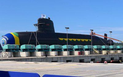 ICN realiza batismo e lançamento do submarino Humaitá