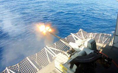 Aderex: Navios da Esquadra realizam exercícios em alto mar durante operação