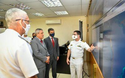 Ministro da Defesa conhece detalhes do SisGAAz