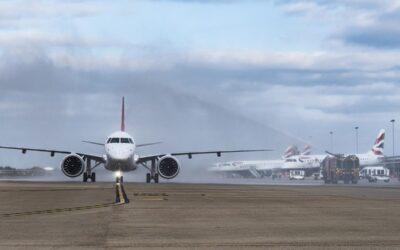 E190-E2 da Embraer faz o 1º voo comercial para o Aeroporto London City