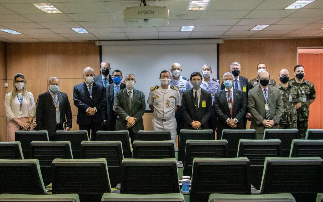Ministério da Defesa realiza visita à sede da IMBEL