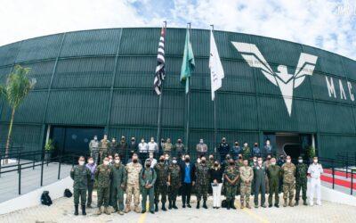 Mac Jee recebe comitiva de adidos militares e membros do Ministério da Defesa